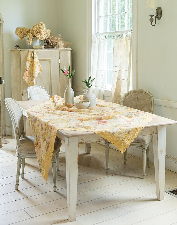 April Cornell BECKONING BOCAS Gold Linen & Lace Tablecloth 60 x 90