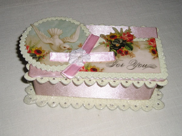 FOR YOU Victorian Reproduction Gift Box For Small Treasures
