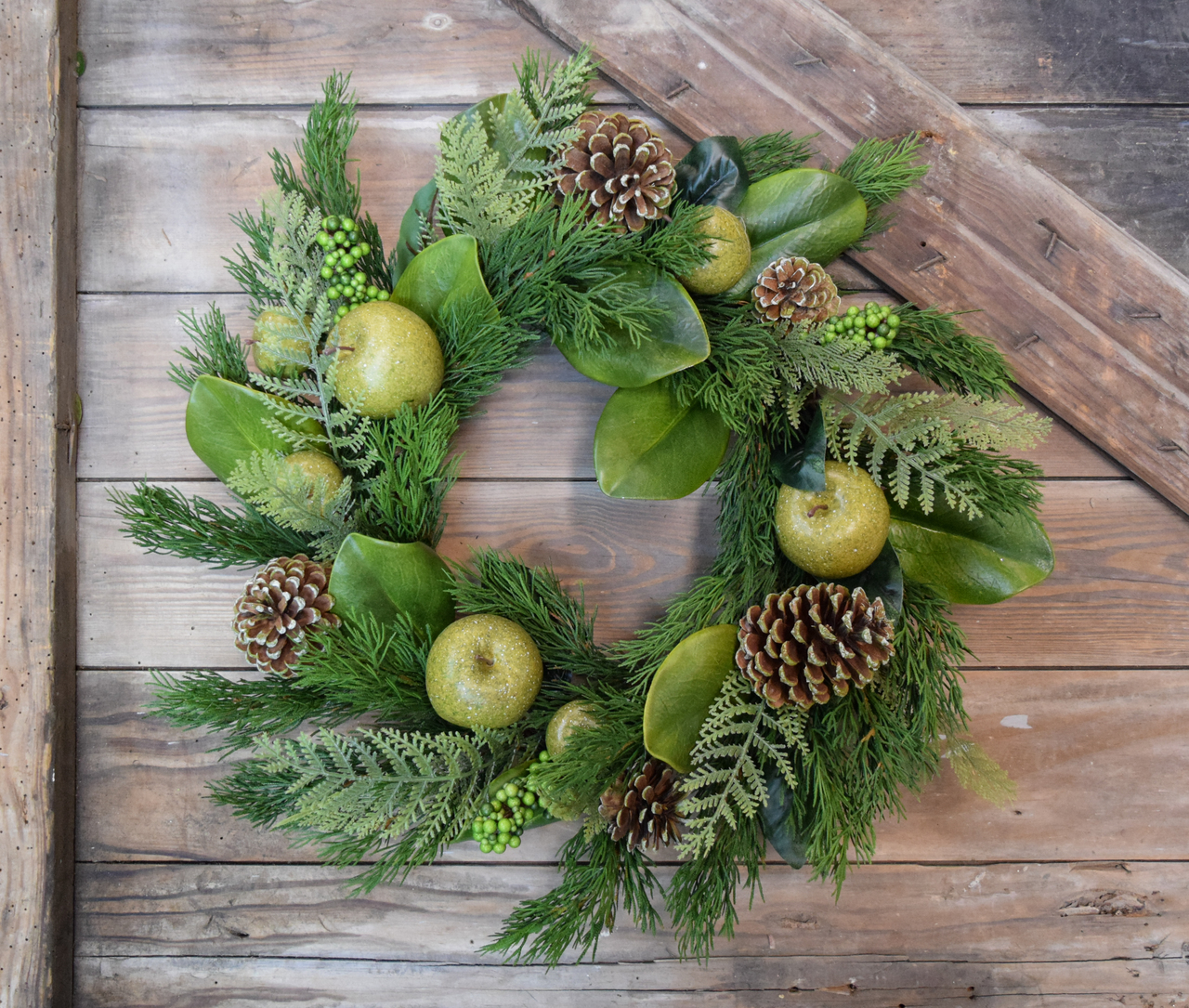 "Magnolia Leaves Green Apples Wreath 22"" 4 Season"